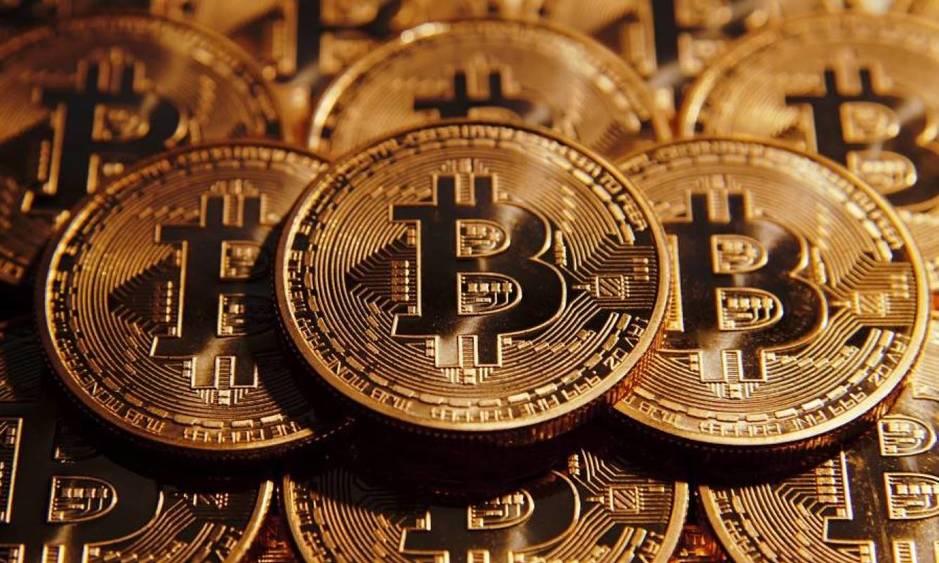 tesla-aceptara-pagos-con-bitcoin-y-eleva-a-su-maximo-historico-el-valor-de-la-criptomoneda