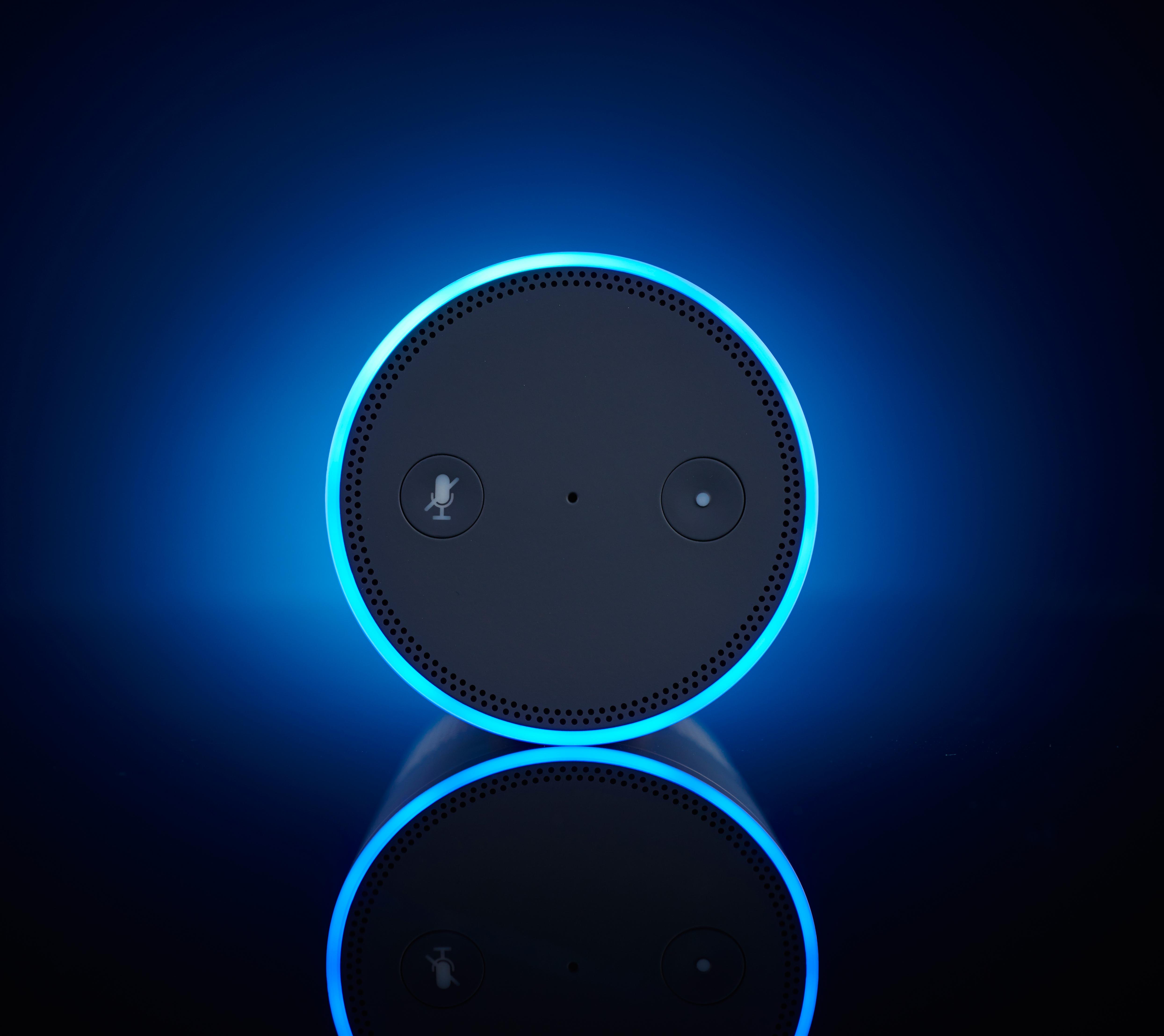 Descubren que los Amazon Echo están siendo fabricados por menores de edad en fábricas de Foxconn. Noticias en tiempo real