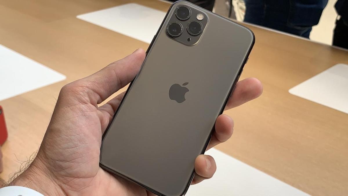 con esta primera foto el iphone 11 pro max presume su. Black Bedroom Furniture Sets. Home Design Ideas
