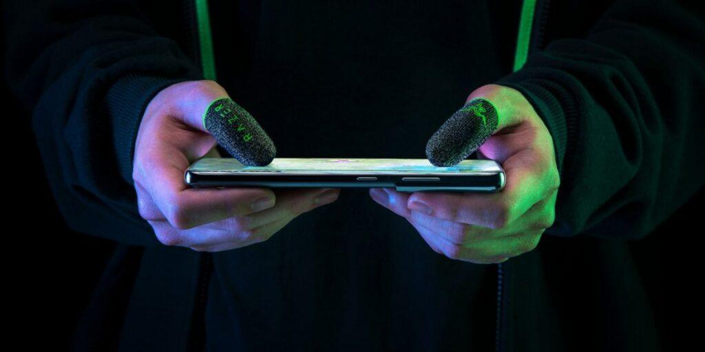 mira-estos-dedales-para-quienes-juegan-mucho-en-celular
